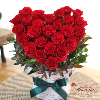 Red roses heart shape Red rose heart shape online to Hochiminh